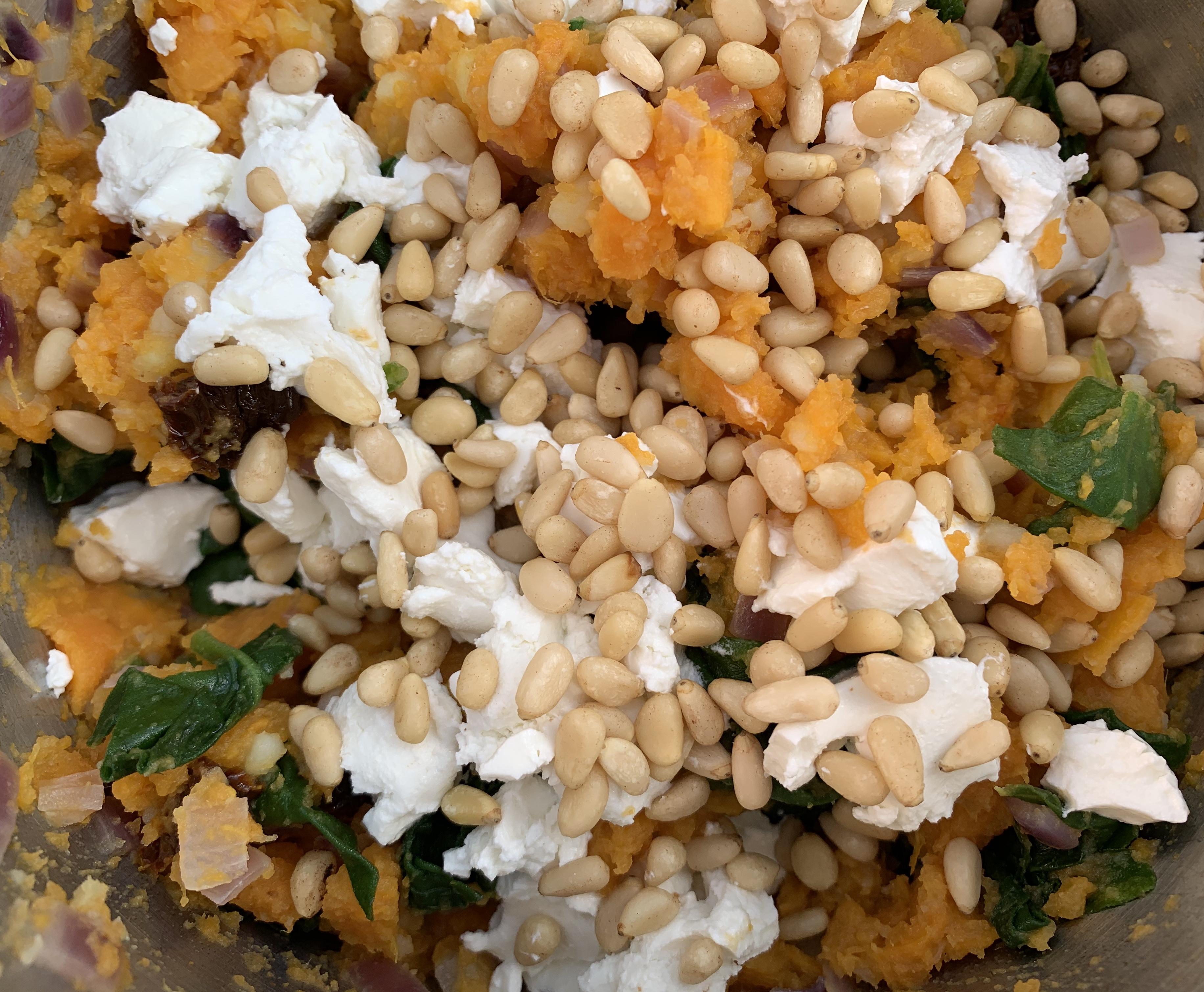 Zoete aardappelstamppot met spinazie en geitenkaas.